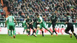 Evergreen-white Pizarro firing Bremen up the ladder