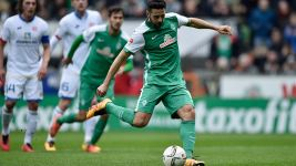 Pizarro equals Werder record as Bremen hold Mainz