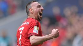Ribery stunner enough for Bayern to up pressure on Dortmund