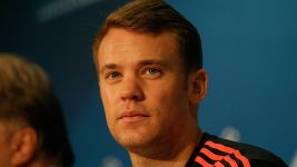Tongue-tied Neuer predicts tough encounter with Benfica