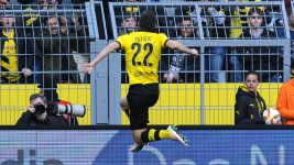 Relive Chrisitan Pulisic's first Bundesliga goal with Dortmund