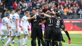 Frankfurt strike late to beat rivals Mainz