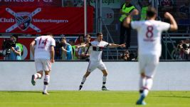 Bayern's Lewandowski at the double - again