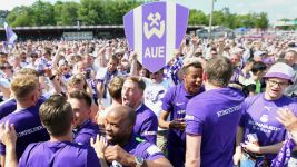 Aue return to Bundesliga 2 at first time of asking