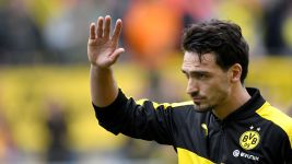 Hummels eyes fitting farewell after emotional final home game