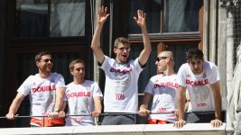 Double for celebrations for Bayern at Marienplatz