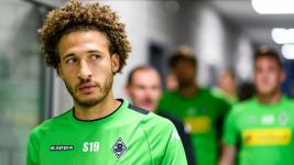 Johnson pens new Gladbach deal