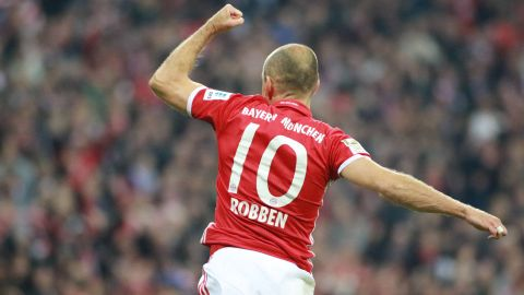 Robben's 'emotional' return