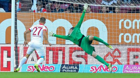 Augsburg overcome battling Darmstadt