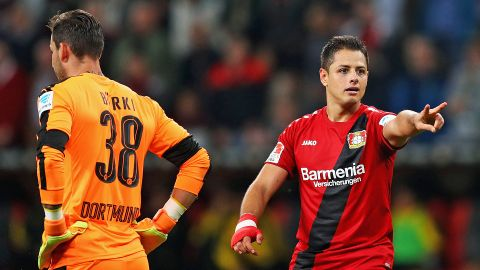 Chicharito helps Leverkusen down Dortmund
