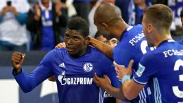 Schalke banish the blues