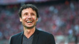 Van Bommel: 'Leipzig will finish third'