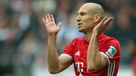 Watch: Robben frustrated after Bayern draw