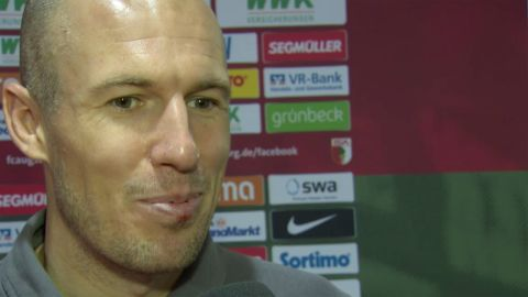 Watch: Robben a team player