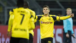 Dortmund progress after Sporting win