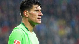 Gomez pair helps down 10-man Freiburg