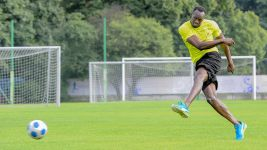 Usain Bolt to train with Dortmund