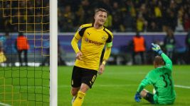 Reus back with a bang in BVB goal frenzy