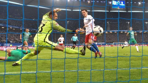 Watch: Hamburg 2-2 Bremen - Highlights