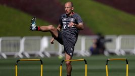 Bayern land in Doha for winter training camp