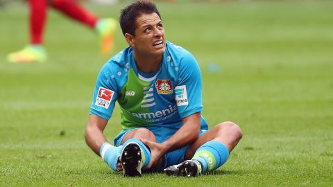 Chicharito ruled out of Hamburg clash