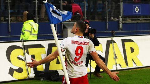 Papadopoulos heads Hamburg past Leverkusen