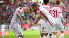 Late Augsburg strike downs Bremen