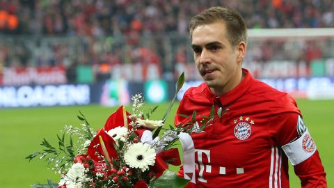 Lahm to retire: social media reacts