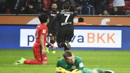 Chicharito double sinks Frankfurt
