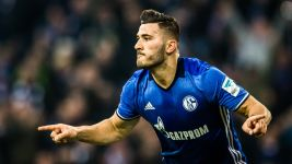 Sead Kolasinac shows his Schalke colours
