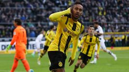 Dortmund down Gladbach in Battle of the Borussias