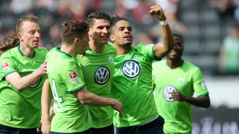 Wolfsburg earn vital win at Frankfurt