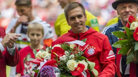 Lahm and Alonso bid Bayern winning farewell