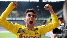 Watch: Bartra's emotional return
