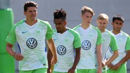 "Mario Gomez: ""Future bright at Wolfsburg"""