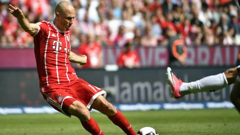 Watch: Rocking Robben