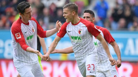 Finnbogason hat-trick hurts Cologne