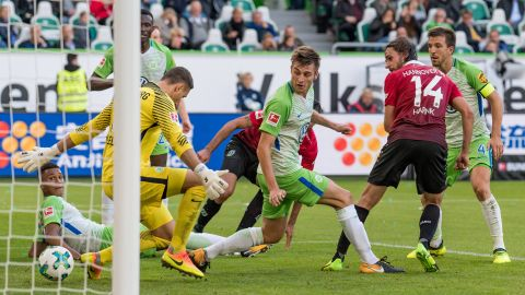 Wolfsburg and Hannover share spoils