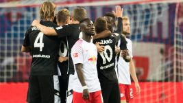 Ten-man Leipzig draw with Gladbach