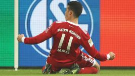James strikes as Bayern ease past Schalke