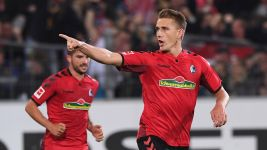 Freiburg supersub Petersen denies Hannover