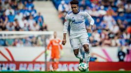 McKennie extends Schalke contract