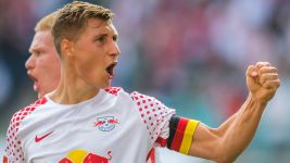Leipzig captain Orban extends contract