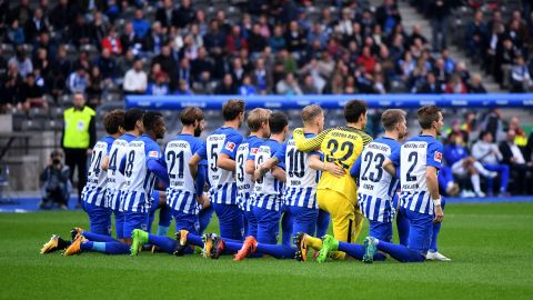 Hertha Berlin #TakeAKnee