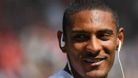 "Haller ""confident"" ahead of Dortmund clash"
