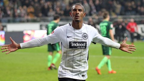 Haller scores late as Frankfurt edge past Bremen