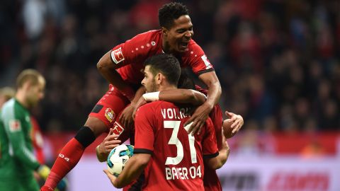 Ten-man Leverkusen hold Leipzig to draw
