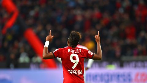 Bailey & Co. keep Leverkusen on track