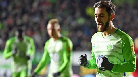 Wolfsburg win at last as Freiburg fall