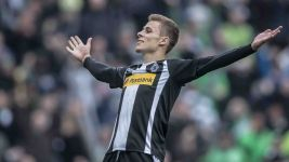 Thorgan Hazard in Topform